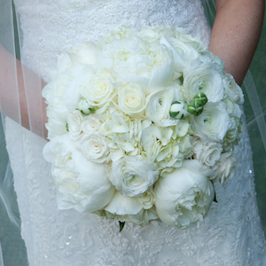 The transformed round-ball. Compact, all-white, textured flowers, elegant. Photo credit: Joylyn Hannahs Photography