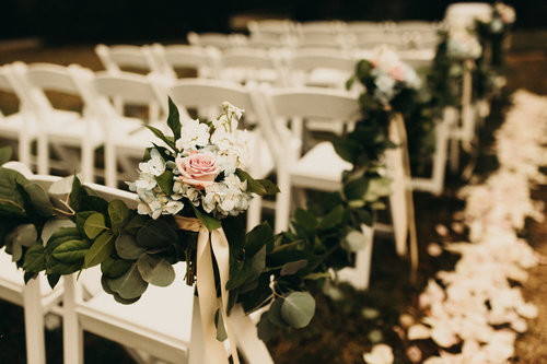 Greenery and garlands for your wedding decor j morris flowers candice adelle photography olivia markle photography junglespirit Gallery