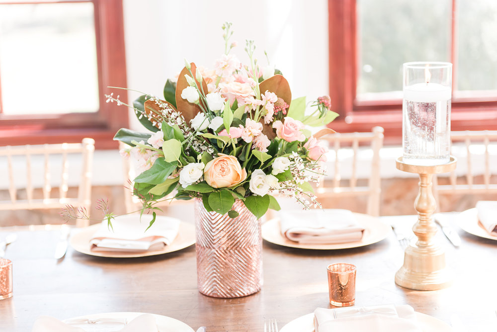 Rose-Gold-textured-vase-Lisianthus.jpg