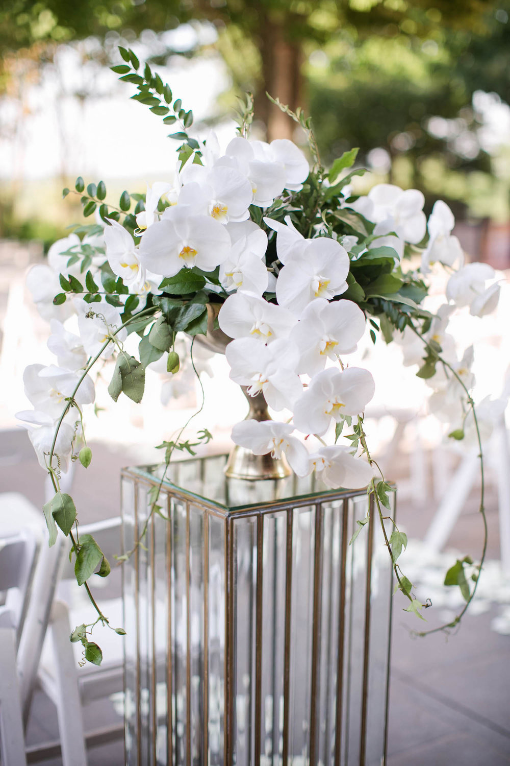 J. Morris Flowers ceremony decor. Photography by Kristen Gardner Photography.