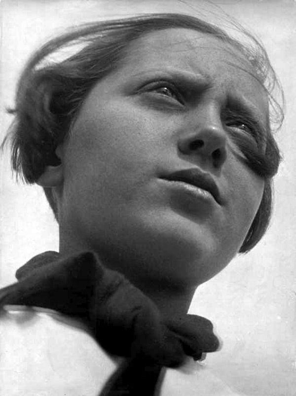 Pioneer girl , 1930.