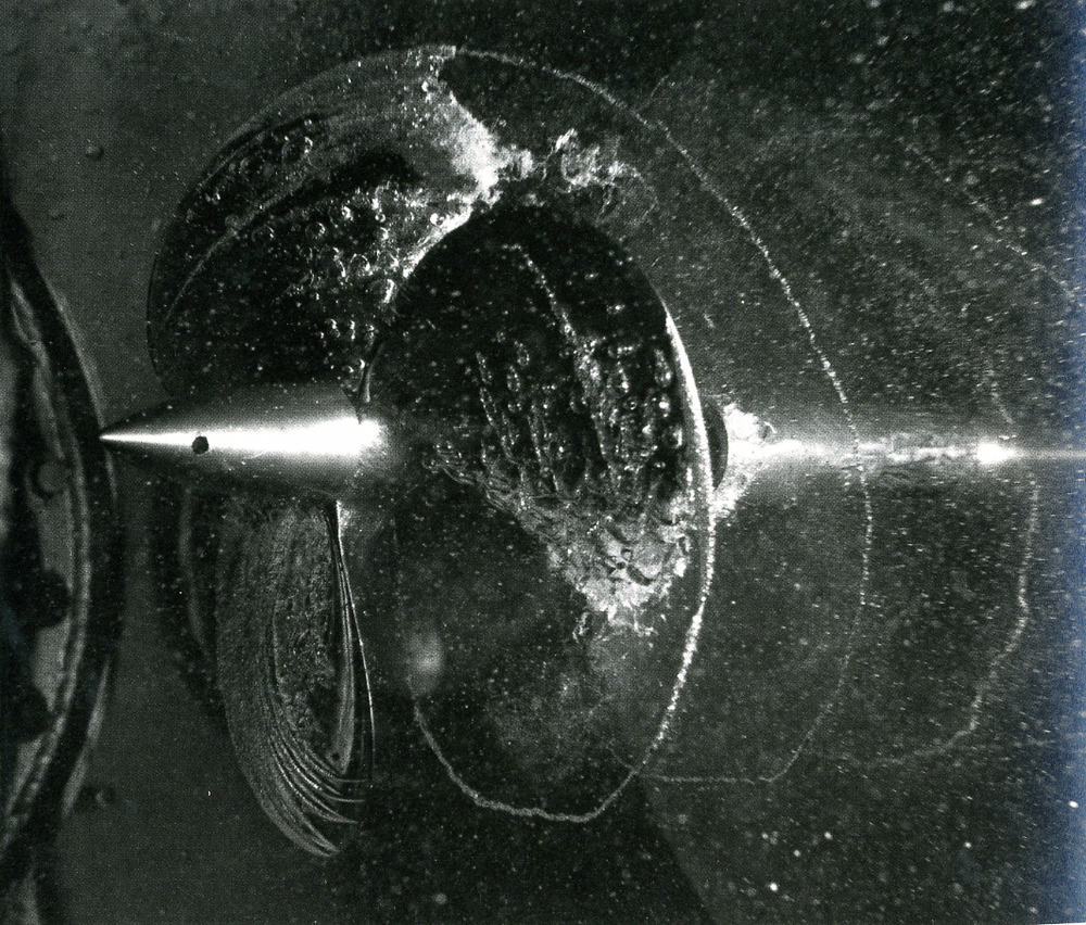 edgerton-propeller-cavitation-stopping-time-the-photographs-of-harold-edgerton-pg-58.jpg