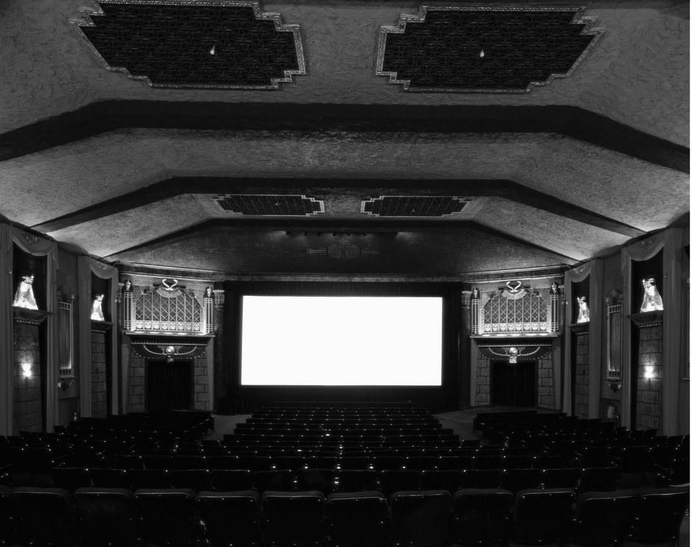 hiroshi-sugimoto-cinema-10.jpg