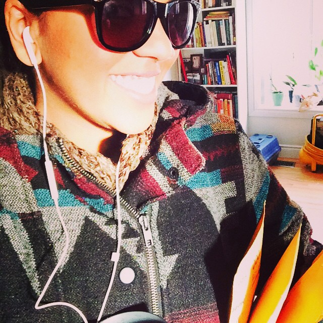 A typical day - just walking some FREE samples to the post office to send them out into the world! Also loving my cozy tribal fall coat and sunnies on the few last days of sunshine! Wanna try Urban Minerals for free before you purchase? Email beautiful@urbanminerals.ca! #easypeasy #requestafreesample #fallswag