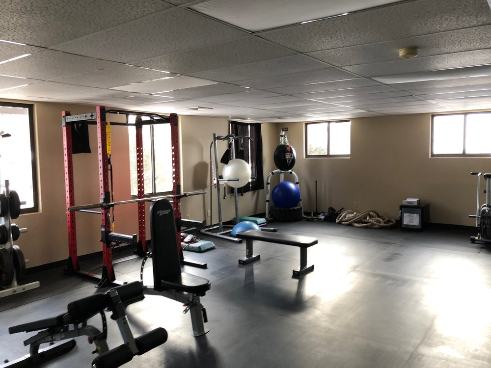 Small, Personal Gym - Full equipped gym in an intimate space to maximize results.