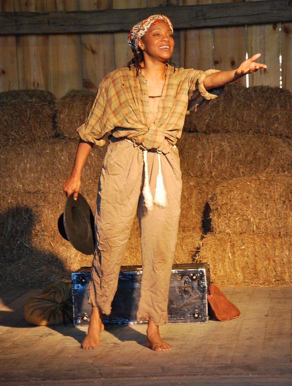 Lesile-McCurdy-as-Harriet-Tubman-2.jpg