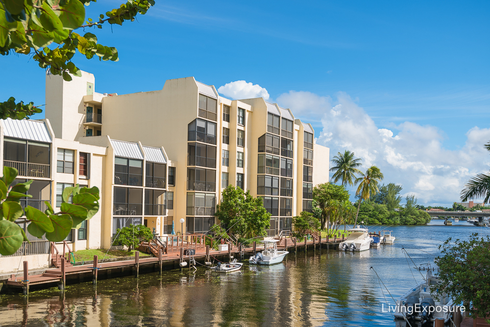 real-estate-photography-7-royal-palm-way-boca-raton-FL-33432 (14 of 15).jpg