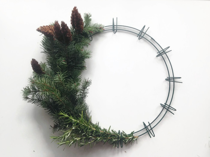DIY Crafts: Christmas Wreaths — Daily Harvest Designs, LLC