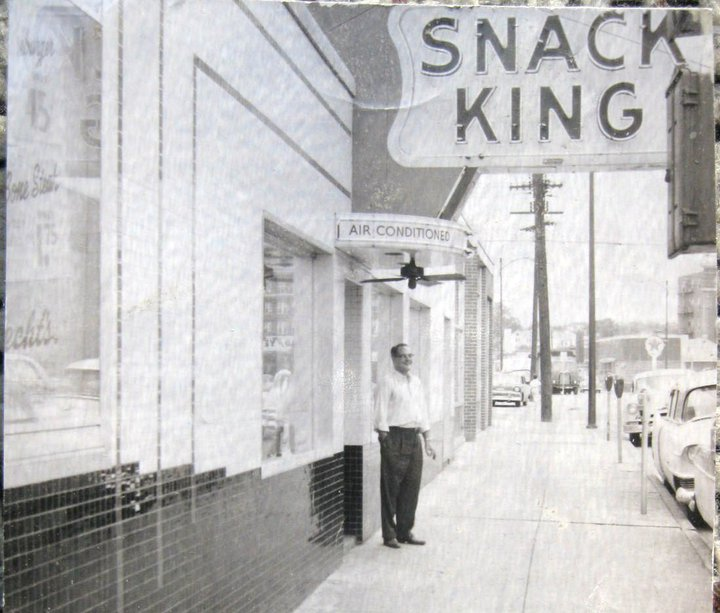 Snack King, later known as the Burger Bar on Piedmont Av. (2).jpg