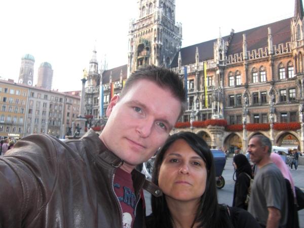Anders & Alexandra at Munich's Marienplatz
