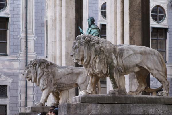 Löwen am Odensplatz