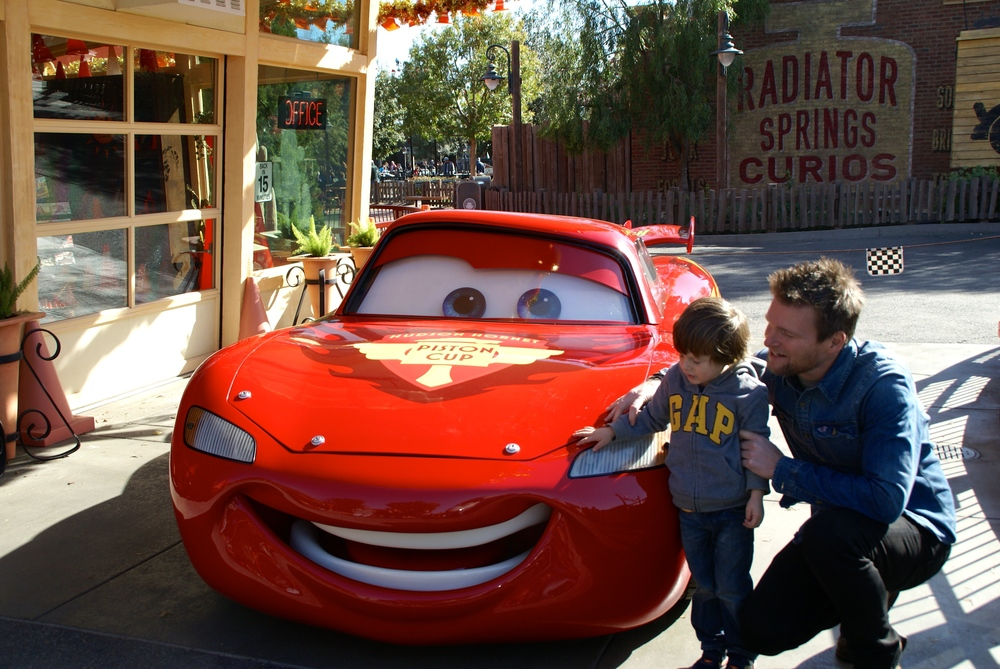 Meeting LIghthening McQueen in DisneyLand