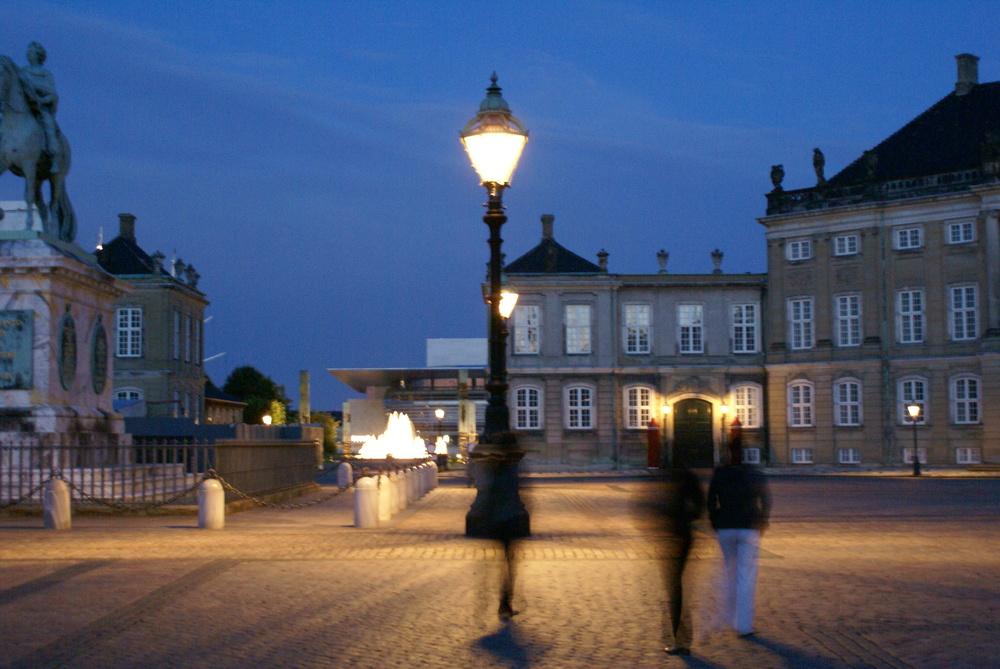 Evening by the royal palace - Amalienborg