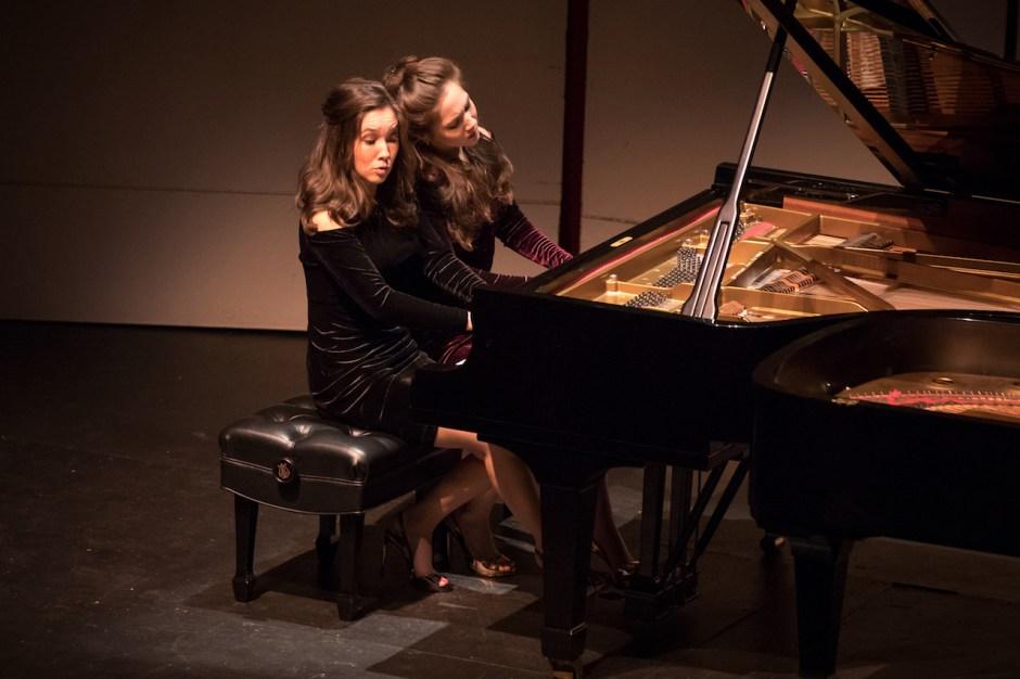 Christina & Michelle Naughton reviews: sister act — Christina