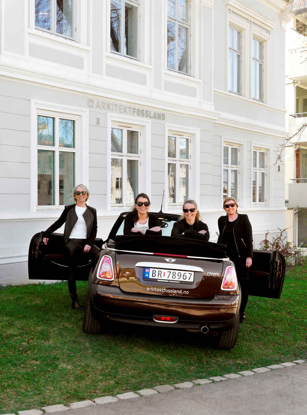 F.v: Elin Fossland, Camilla Tveit, Christine Fossland Guddal, Kristin Brække