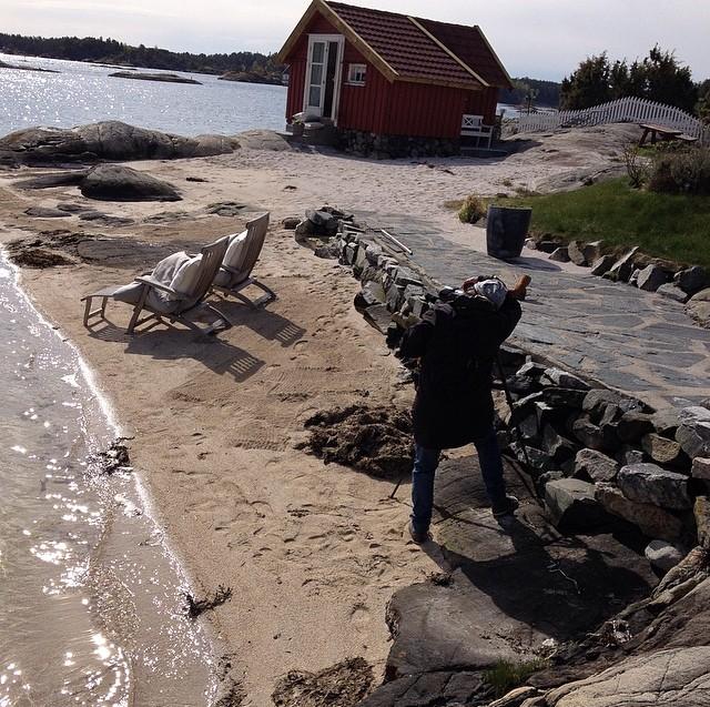Fotograf Mona Gundersen i aksjon på Rispebråten