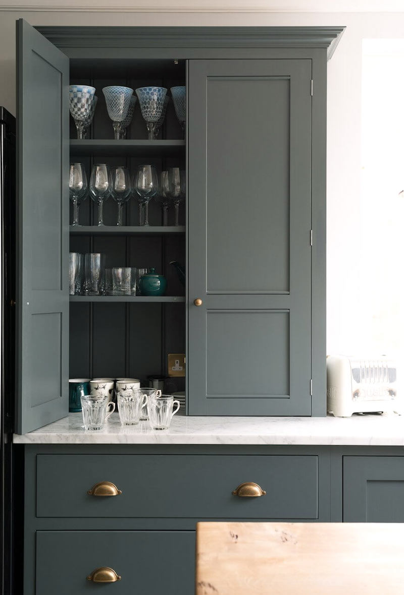 DeVOL-kitchen-Farrow-and-Ball-Classic-English-Kitchen.jpeg