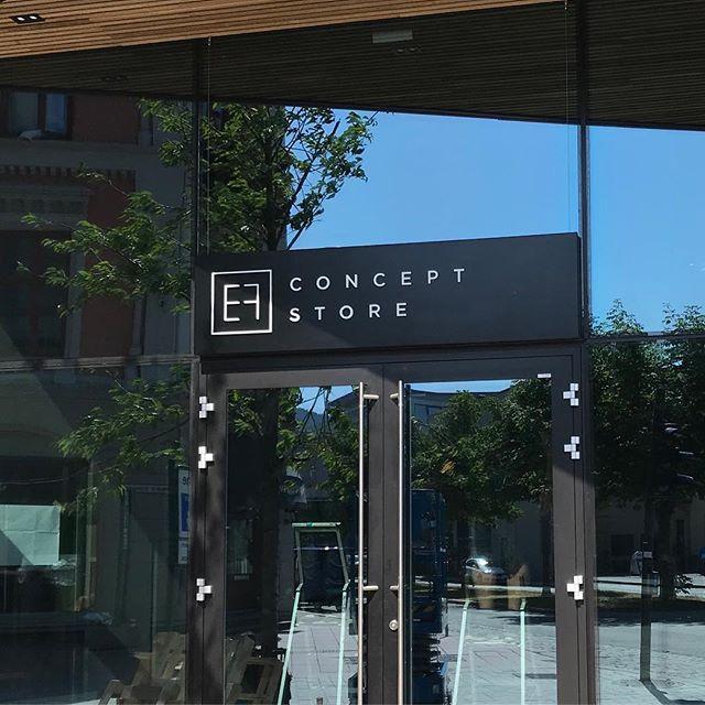 Våre nye lokaler - endelig ferdig #efdesign #arkitektfossland #interiordesign #interiør #efconceptstore #showroom #gledeross