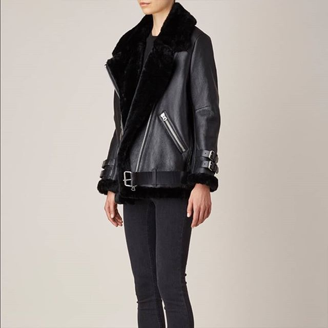 It can never go wrong for the winter with the Shearling from @acnestudios