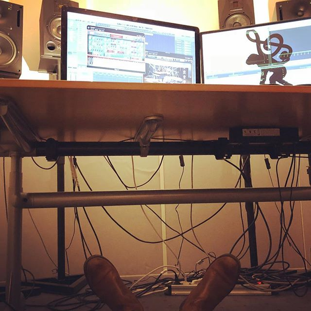 Cable management skill: 0.0/11 #musicproduction #sounddesign #cable #management #skill #cablemanagement #studio #boots #situps #fuckups #web #wires #thursday