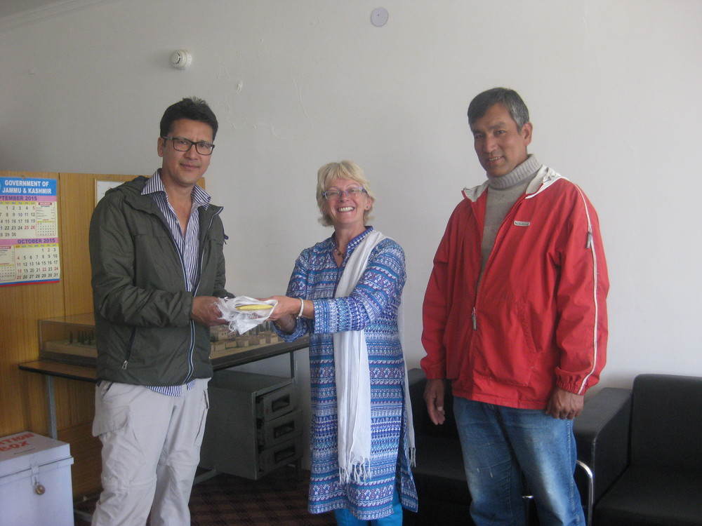 Mrs Saywack was able to hand over the money raised by Ben to the Deputy Medical Superintendent of the SNM Hospital in Leh.