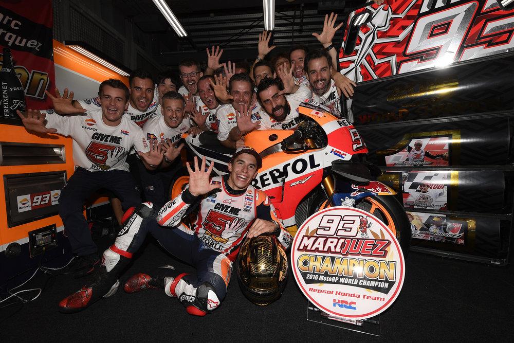 2016-motogp-world-champion-marc-marquez-and-team (2).jpg