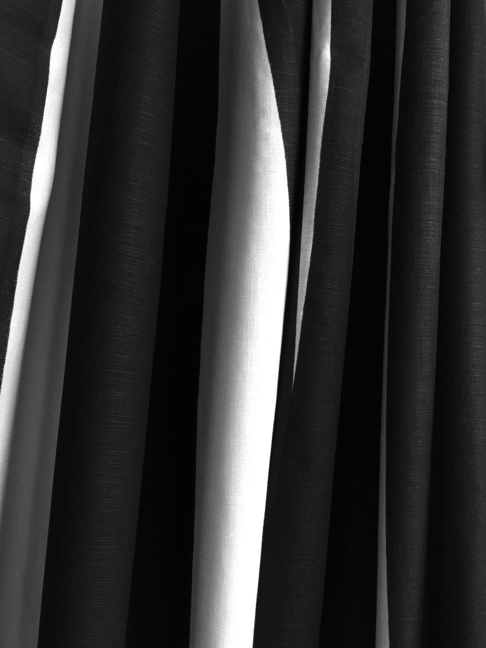 Y146-01 SAMBA STRIPE Tuxedo