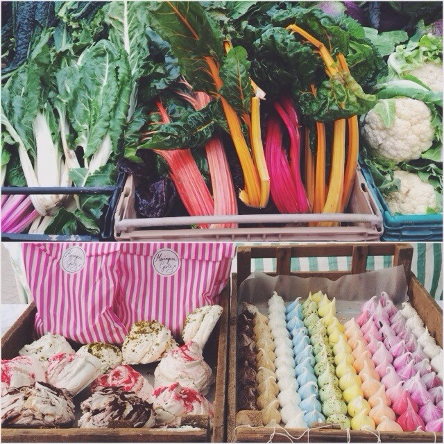 Colorful Market mornings. Guess which on I went for. Mmmmmmm. #BroadwayMarket #MeringueGirls #London