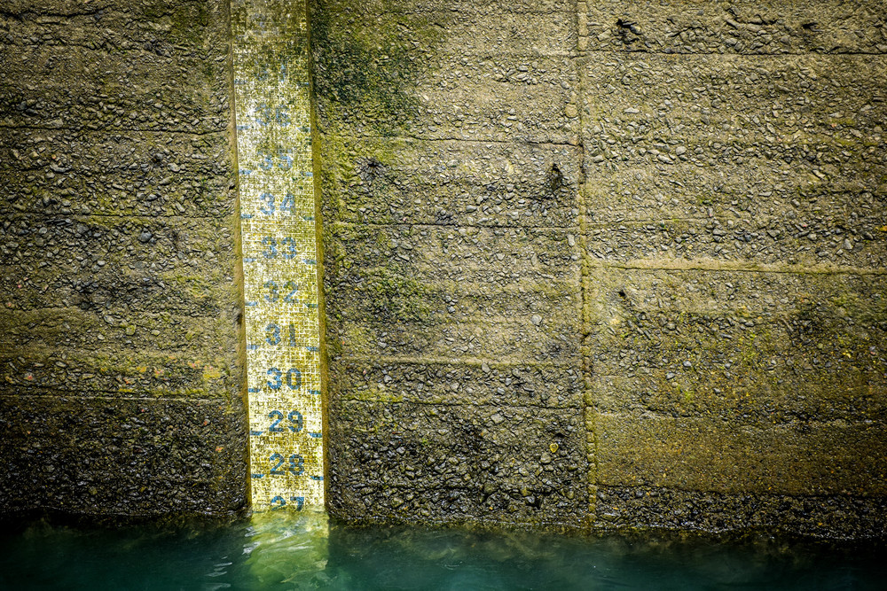 Water depth in the Gatun Locks