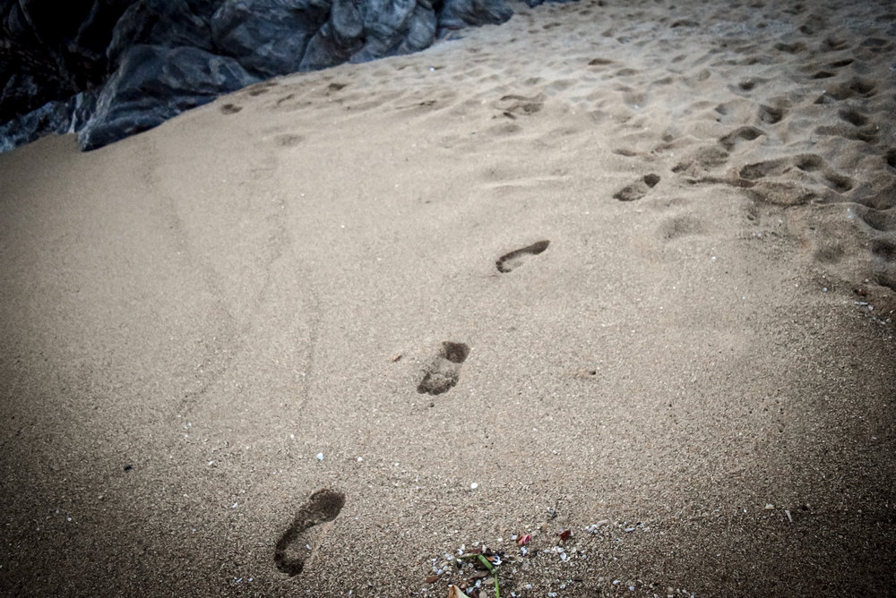 Footsteps in the sand at Playa Zipolite