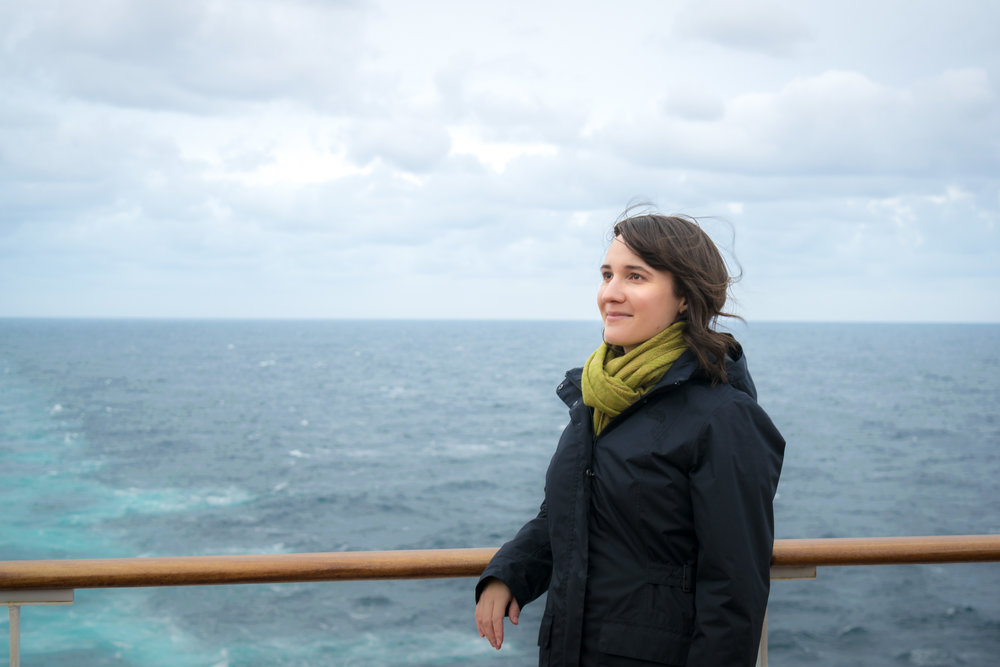 What to Wear on a Transatlantic Voyage Aboard the Queen Mary 2: A Minimalist Packing List