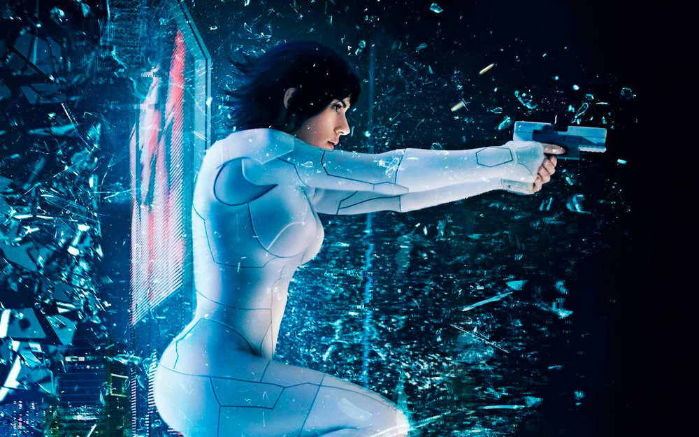 Scarlett Johansson s'essaie au rôle de cyborg, dans le film Ghost in the Shell de Rupert Sanders (2017)