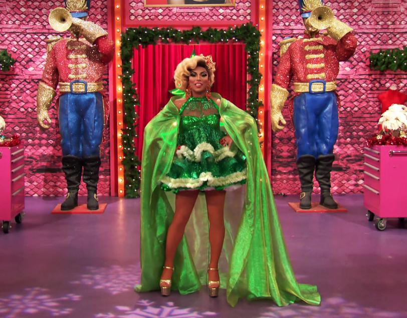 La drag queen américaine Shangela dans RuPaul's Drag Race Holi-Slay Spectacular, l'émission spéciale Noël, diffusée sur la chaine musicale VH1, le 7 décembre 2018.