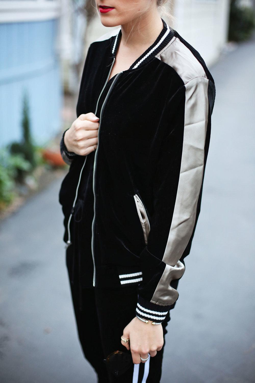 velvet-jacket-detail