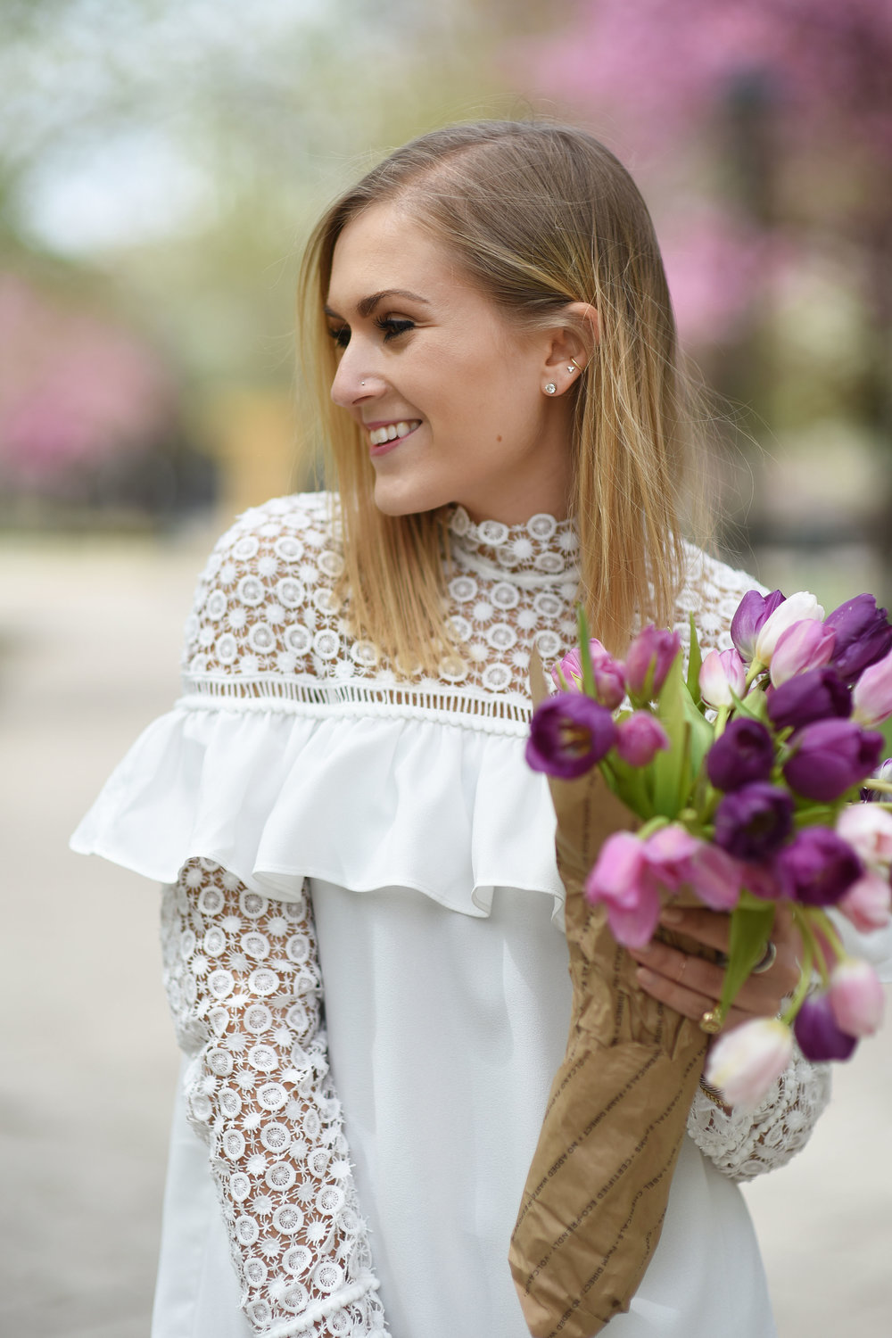 white-lace-dress-tulips