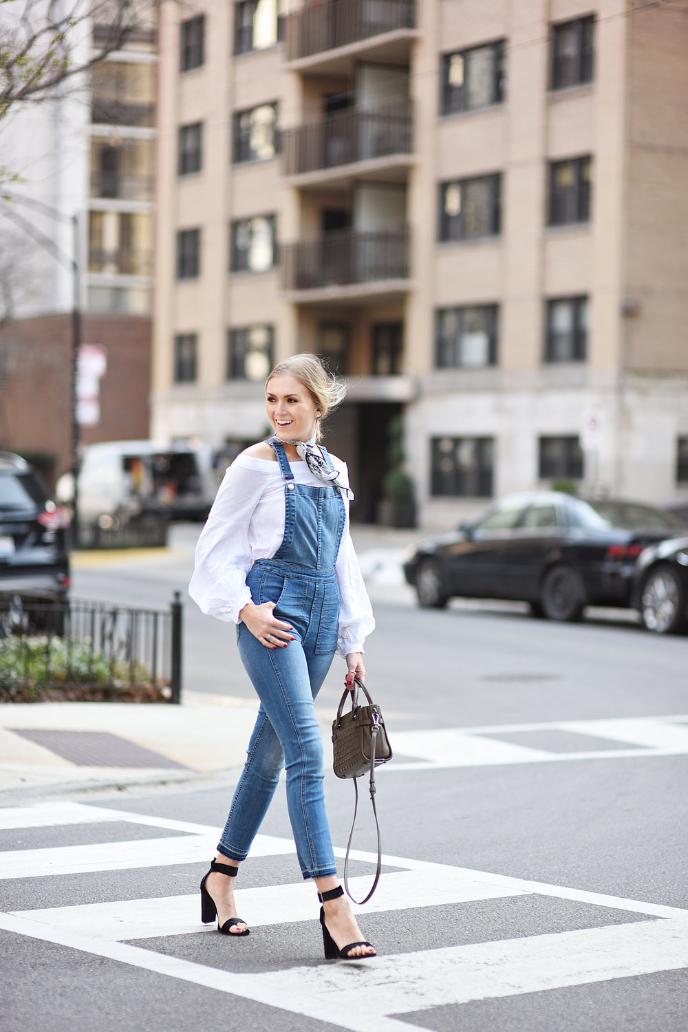 walking-in-overalls