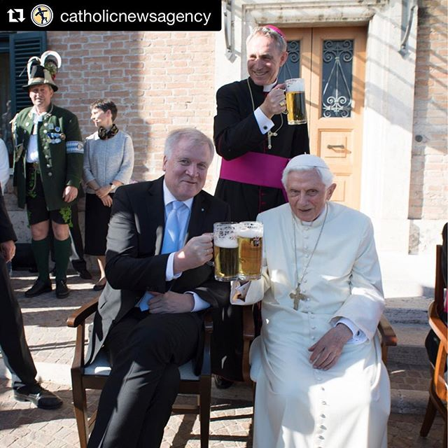 Yesterday Pope Emeritus Benedict celebrated his 90th Birthday with brews and friends! Come celebrate with us this week in Des Moines, Phoenix, Dallas, Fargo-Moorhead, Honolulu, and DC! 🍻🍻🎉🎉#noagendas #catholicbeerclub #cbcphoenix #cbcdallas #cbcdesmoines #cbcfargo #cbchonolulu #cbcwashingtondc #catholic
