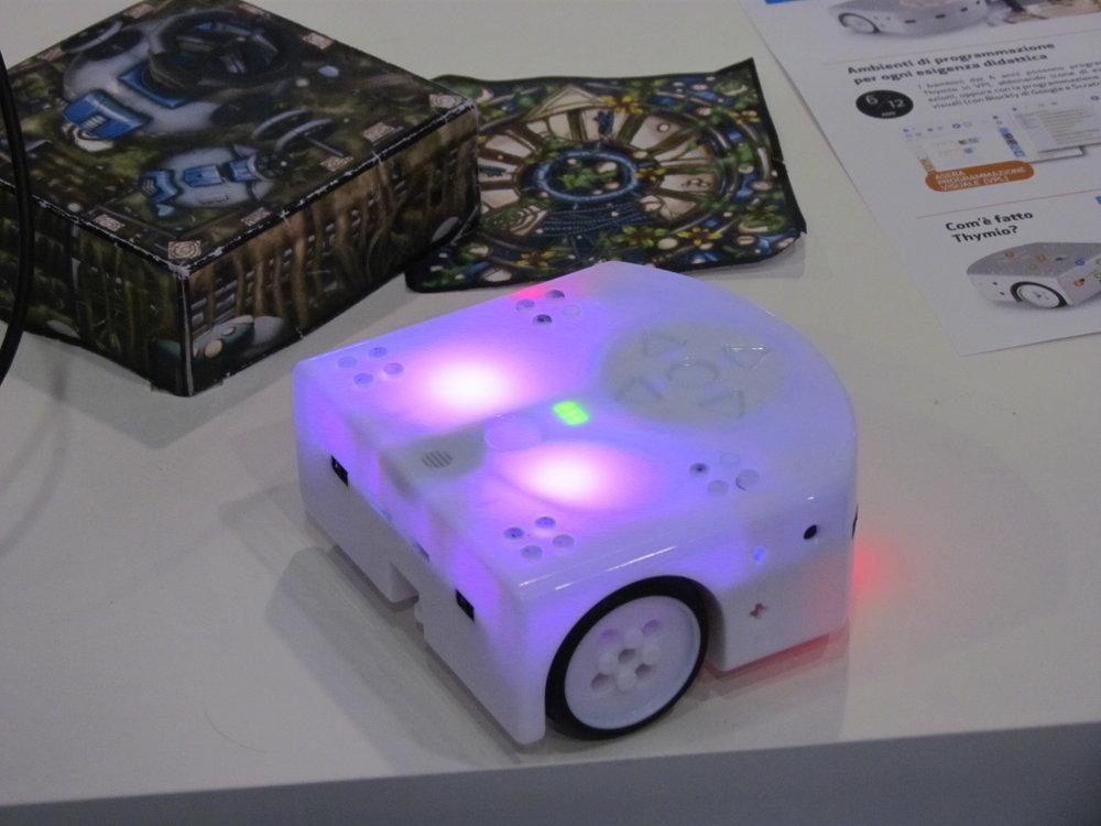 Robottino programmabile e personalizzabile dotato di diversi sensori