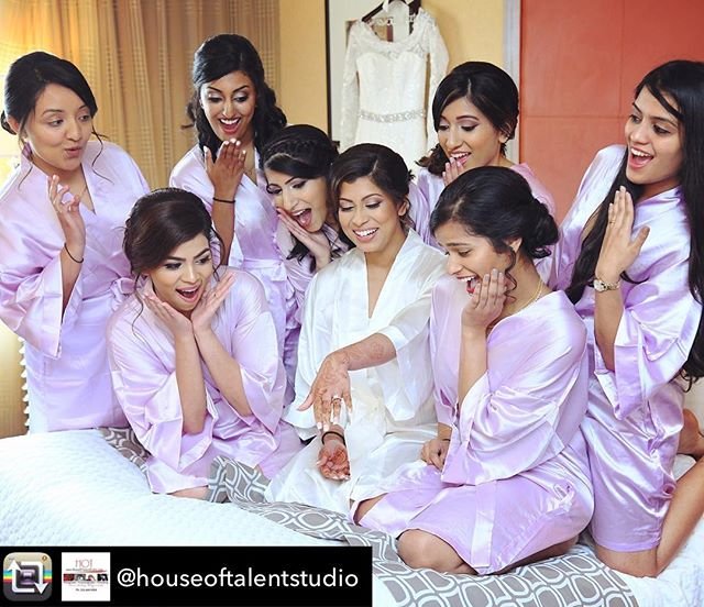 Repost from @houseoftalentstudio @jennyvanchi and her bridesmaids. engagementring #bridesmaids #bride #bridalparty #bridetobe #ring #weddingrings #weddingphotography #weddingphotographers #weddingphotoideas #weddingphotoinspiration #houseoftalentstudio #malayaleewedding #malayaleebride #mallubride #keralawedding #temptuairbrush #airbrushmakeup #hairstylistnyc #makeupartistnyc #heenadasbrides
