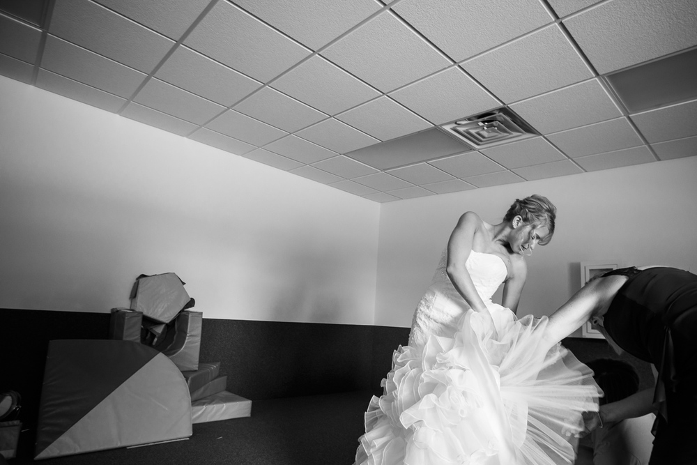 Grant Beachy shoots documentary wedding photography for Goshen, South Bend, Elkhart, Warsaw, Mishawaka, Michiana, Indiana, and Chicago