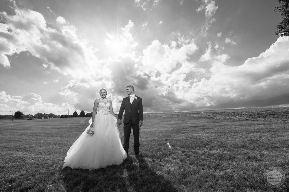 Kendalville wedding photographer Grant Beachy -33.jpg