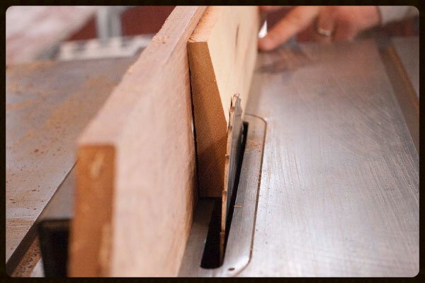 "Figure 6 - Use a table saw to cut the 6-degree and 10-degree angles on the joiner rib at the ""elbow"" of the coffin sides."