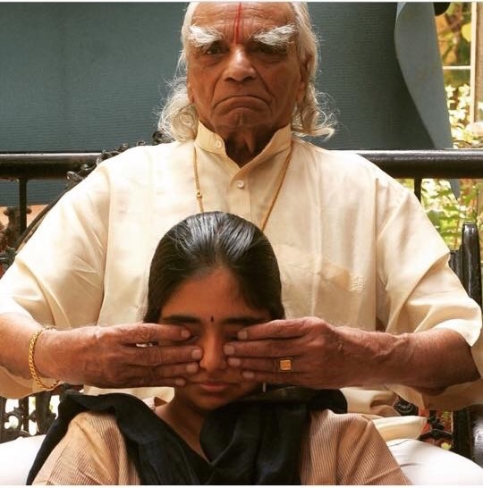 Guruji working with Abhijata - photo credit: Julia Pedersen