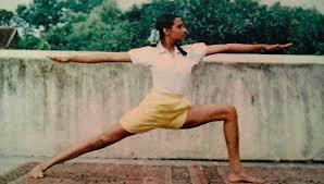 Virabhadrasana II - Geeta Iyengar