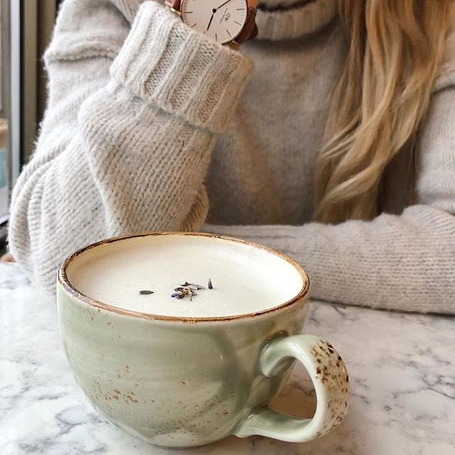 Perfect time of year to connect with those you love!  #Repost @shaylenecameron (@get_repost) ・・・ Time has a wonderful way of showing us what really matters ☕️❄️ My @danielwellington watch is currently my favourite accessory and I mean the peppermint-lavender tea latte is just delightful. Happy Friday! #dwpickoftheday