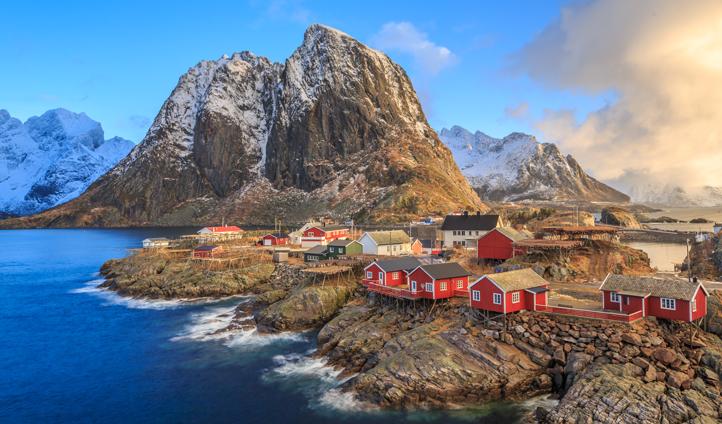 fishing-village-Lofoten-N.jpg