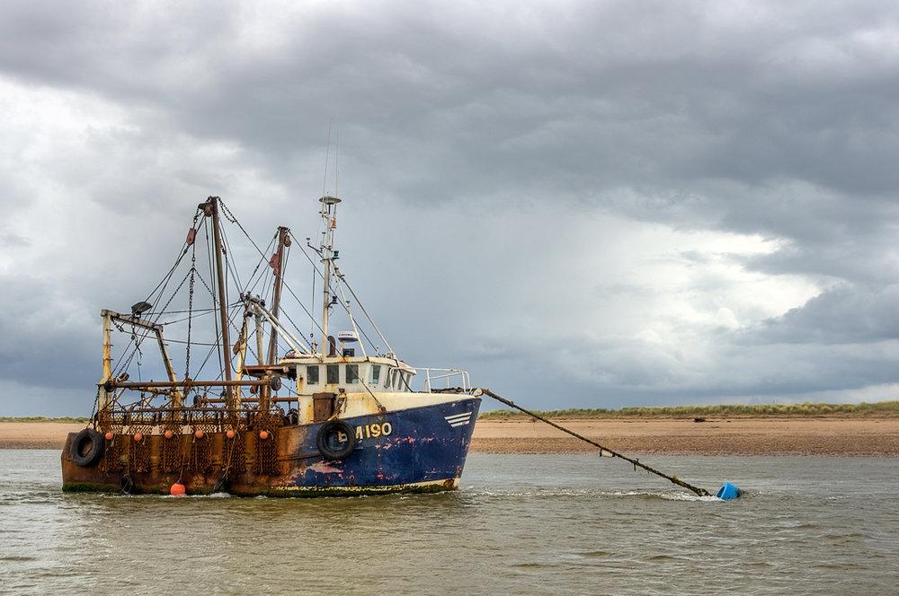 BM190 Trawler exe estuary lightroom pseudo_HDR and Topaz Clarity (High Pass) sRGB version2 (websize).jpg