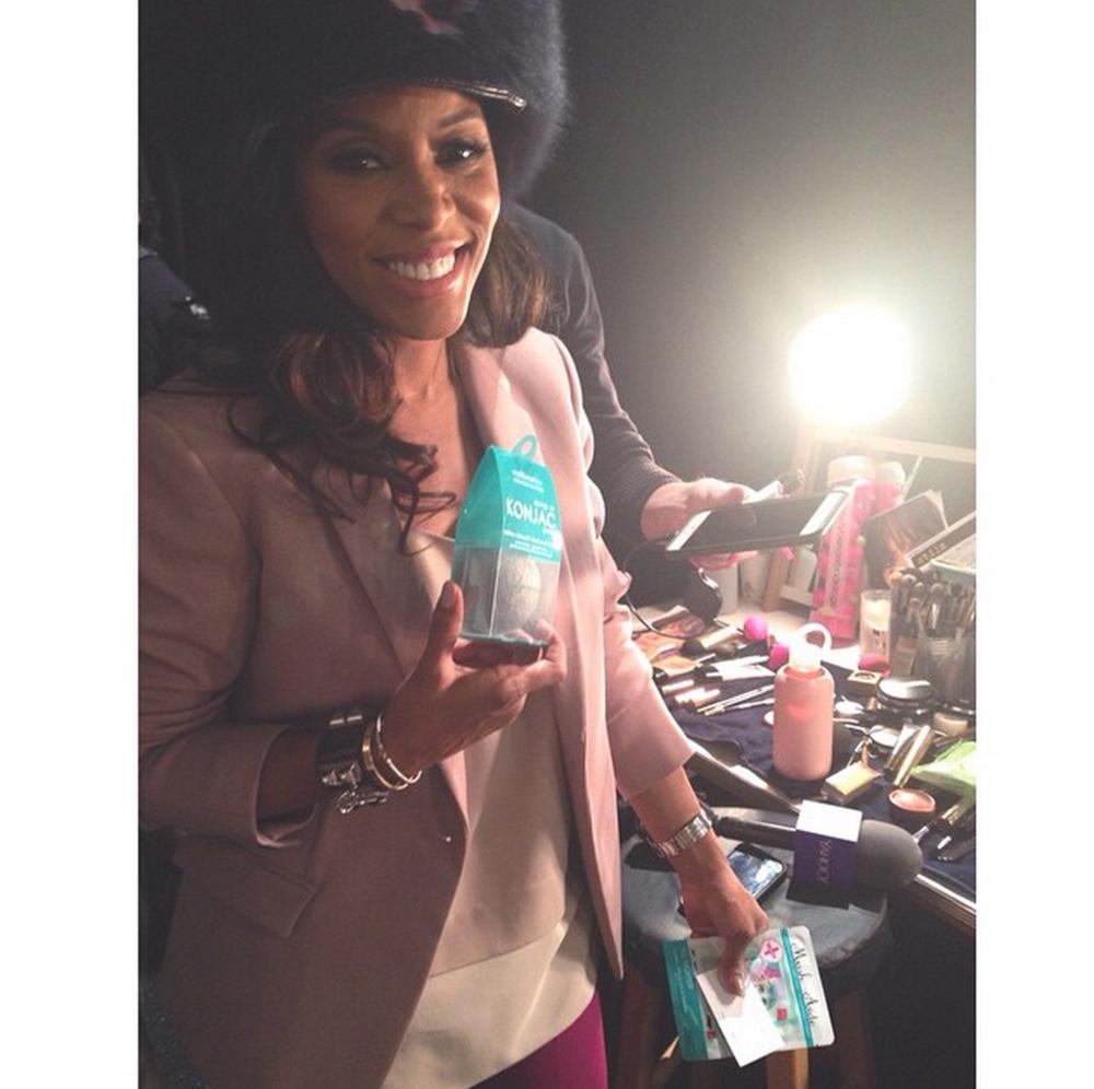 Celebrity Stylist June Ambrose getting her hands on our first Konjac Sponge washbeauty co. + MaskerAide masks backstage
