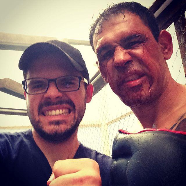 Foi um privilégio iluminar o formidável Rogério Minotouro!  #minotouro #teamnogueira #mmafighter #ufc