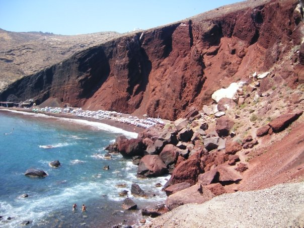 Red_beach_santorini.jpg